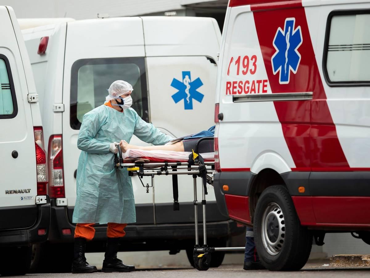 brasil suma mas de 2 800 muertos por coronavirus en un dia un nuevo record