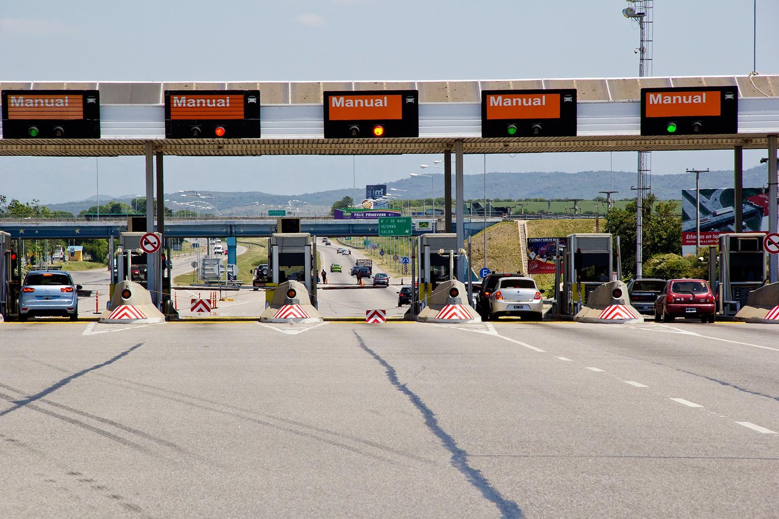 estacion de peaje autopista cordoba carlos paz.jpg 321685820